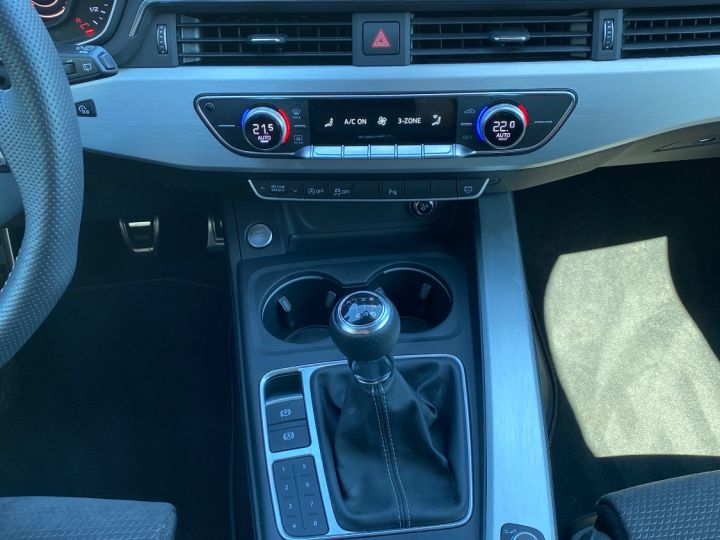 Audi A4 Avant AUDI A4 AVANT 150CV S LINE NOIR NACRÉE - 7