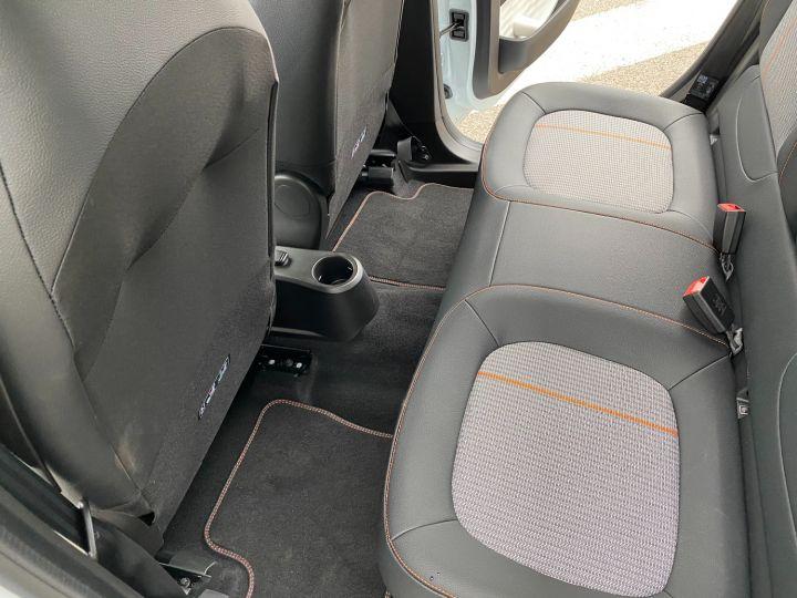 Renault Twingo ZE SERIE LIMITEE VIBES - 11